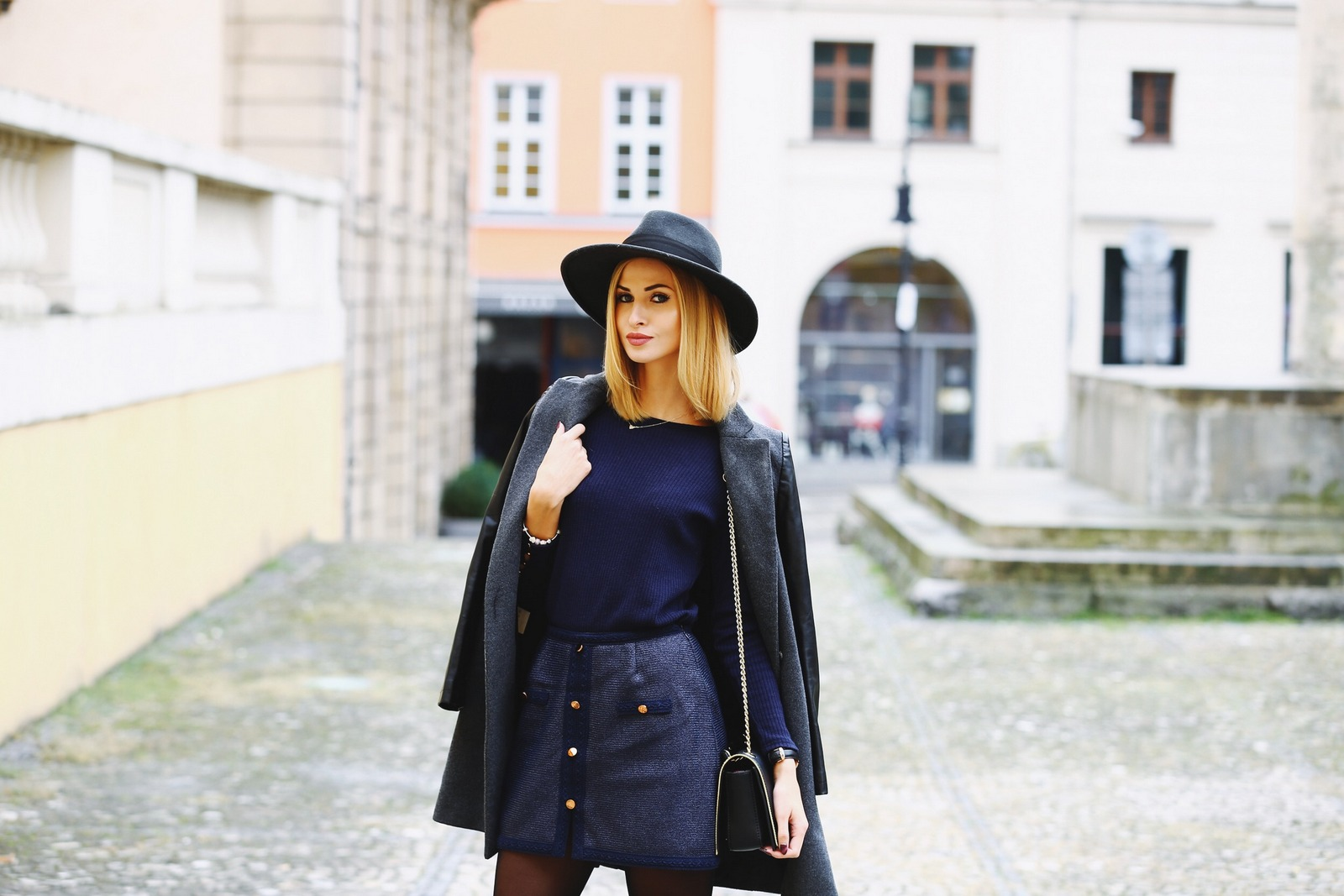 Granat + czerń / Look of the day